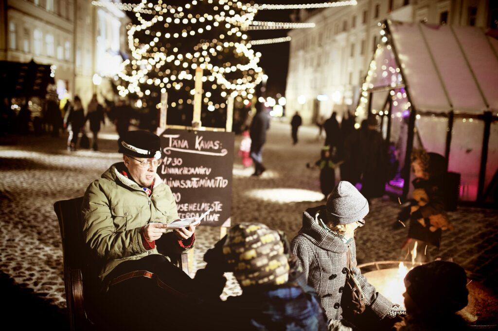 Kirjanikud kolivad detsembrikuus Tartu raekoja platsile